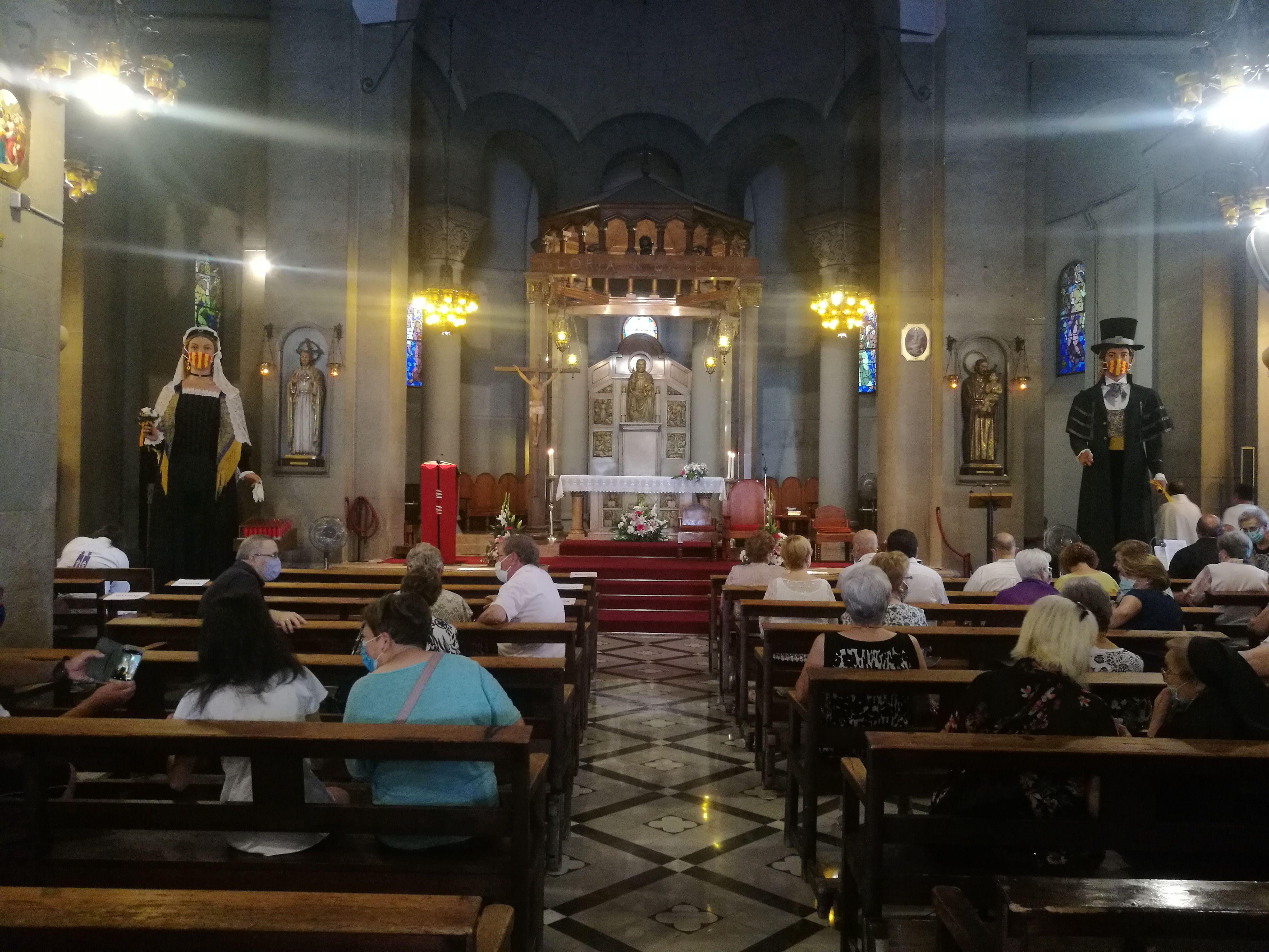 Missa solemne en honor al patró de la ciutat, a l'església de Sant Pere. FOTO: Redacció