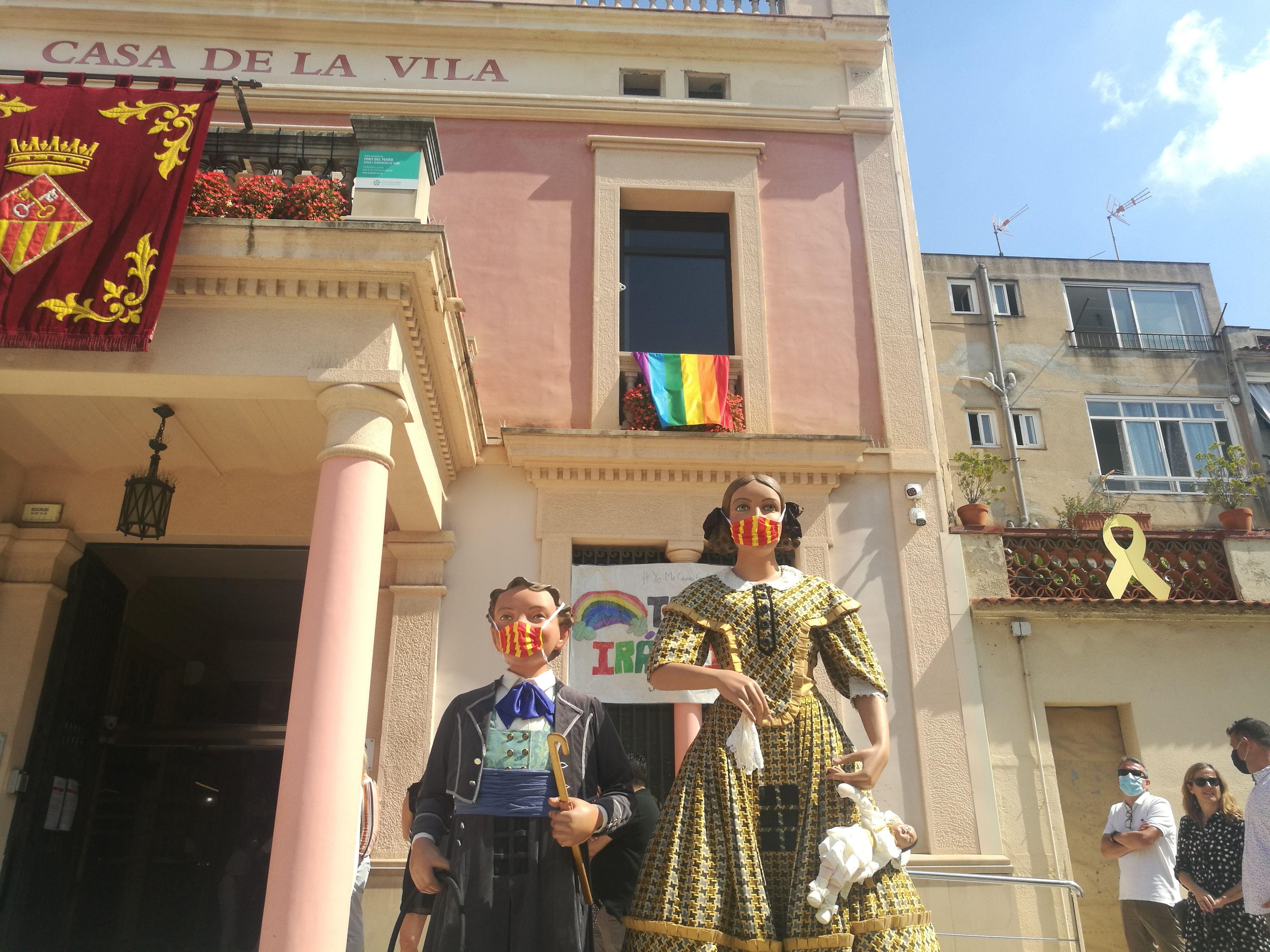 Els Gegants de Rubí a la plaça de l'Ajuntament. FOTO: Redacció