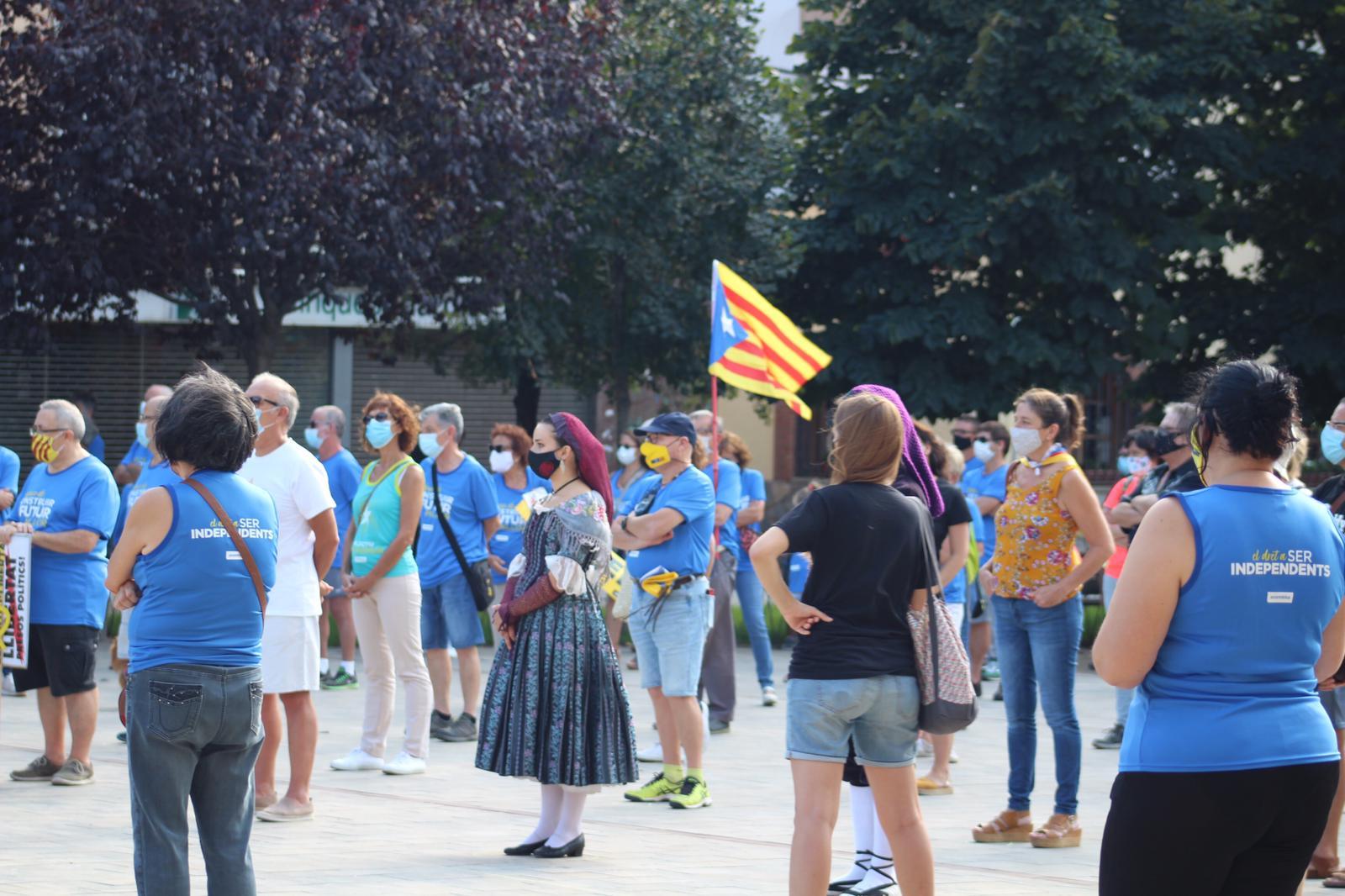 Concentració a la plaça Doctor Guardiet. FOTO: Andrea Martínez