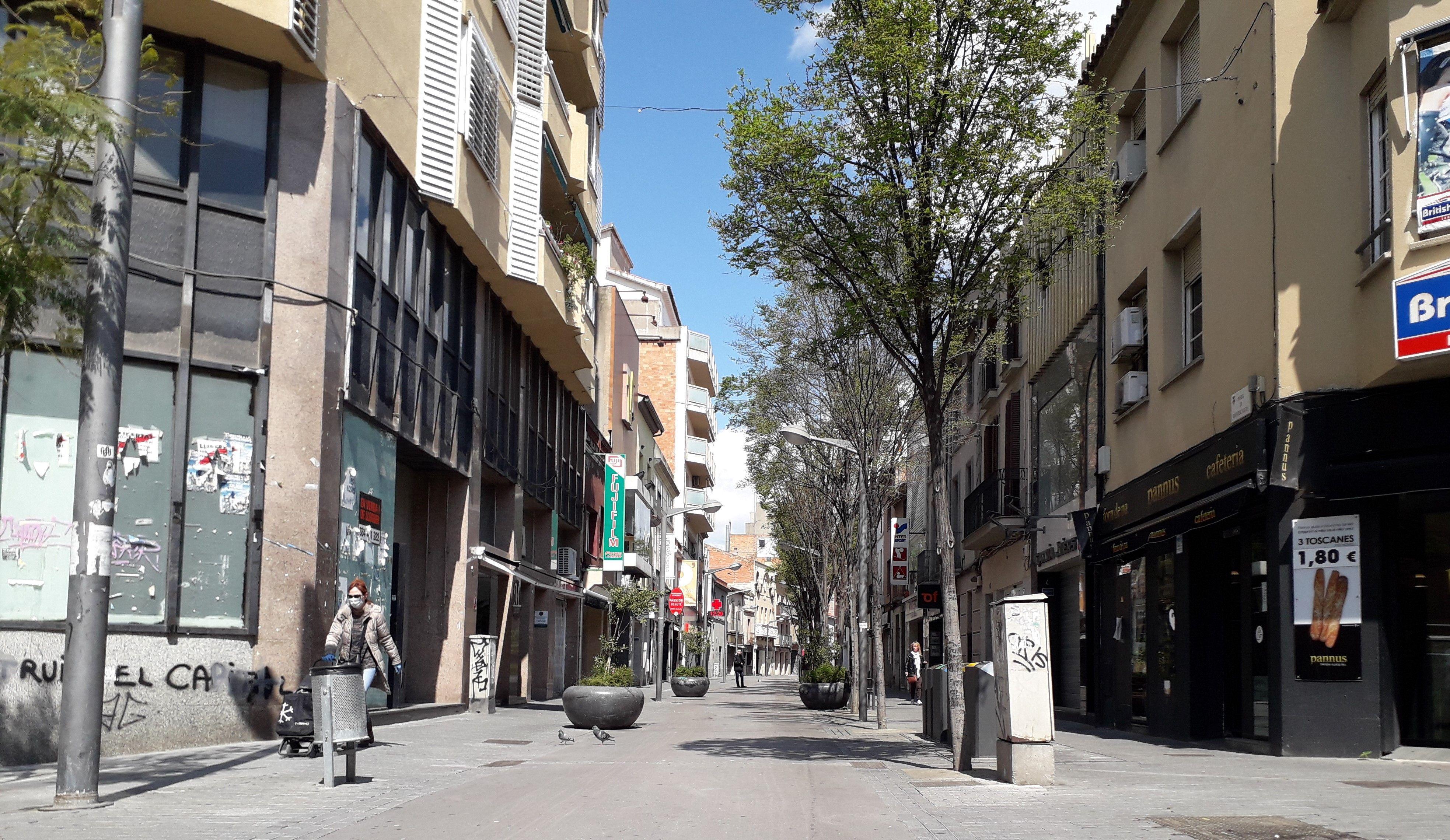 Carrers buits i comerços tancats en el primer estat d'alarma. FOTO: Redacció