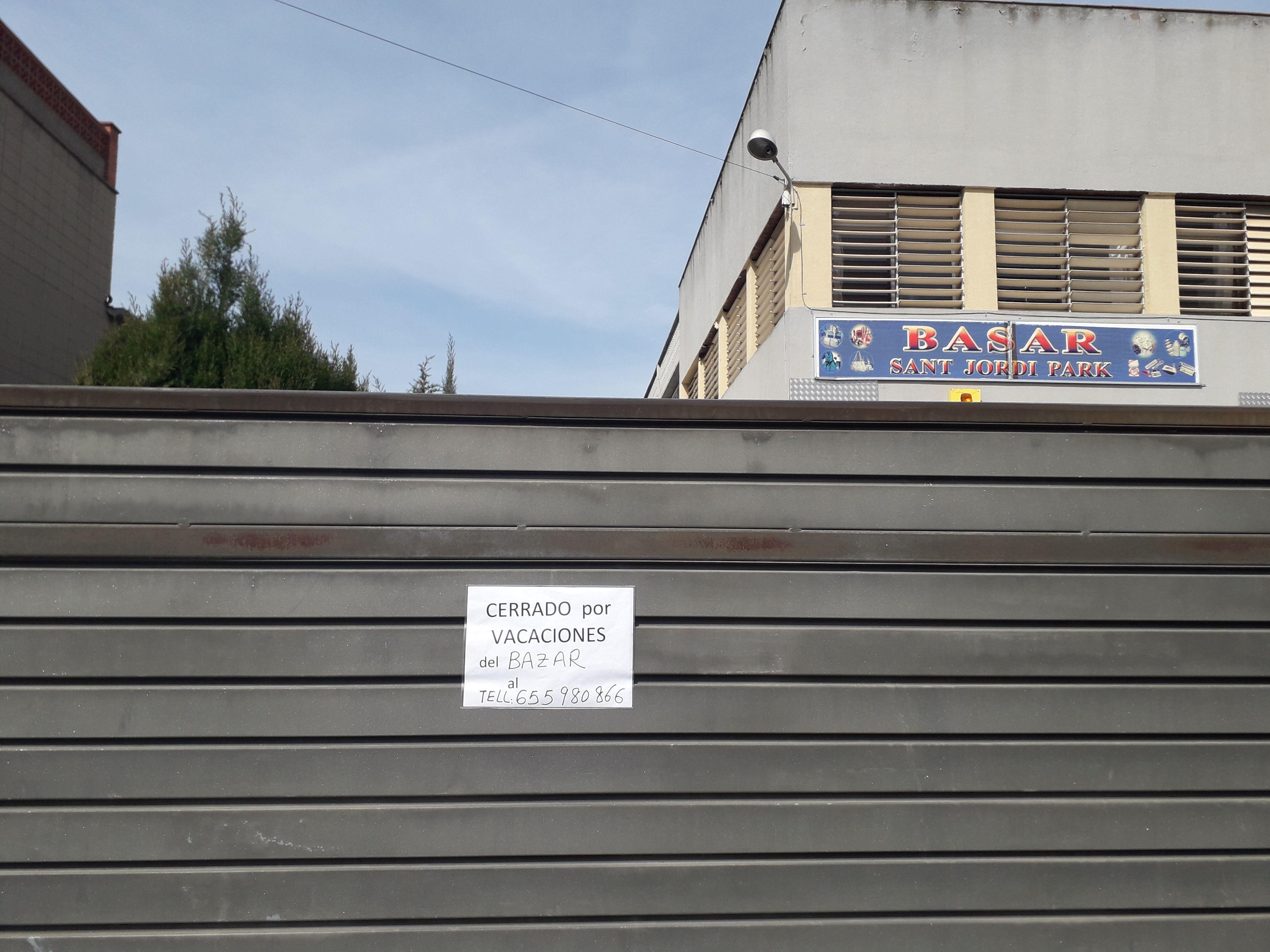 Els basars xinesos van ser els primers comerços que van tancar a la ciutat. FOTO: NHS
