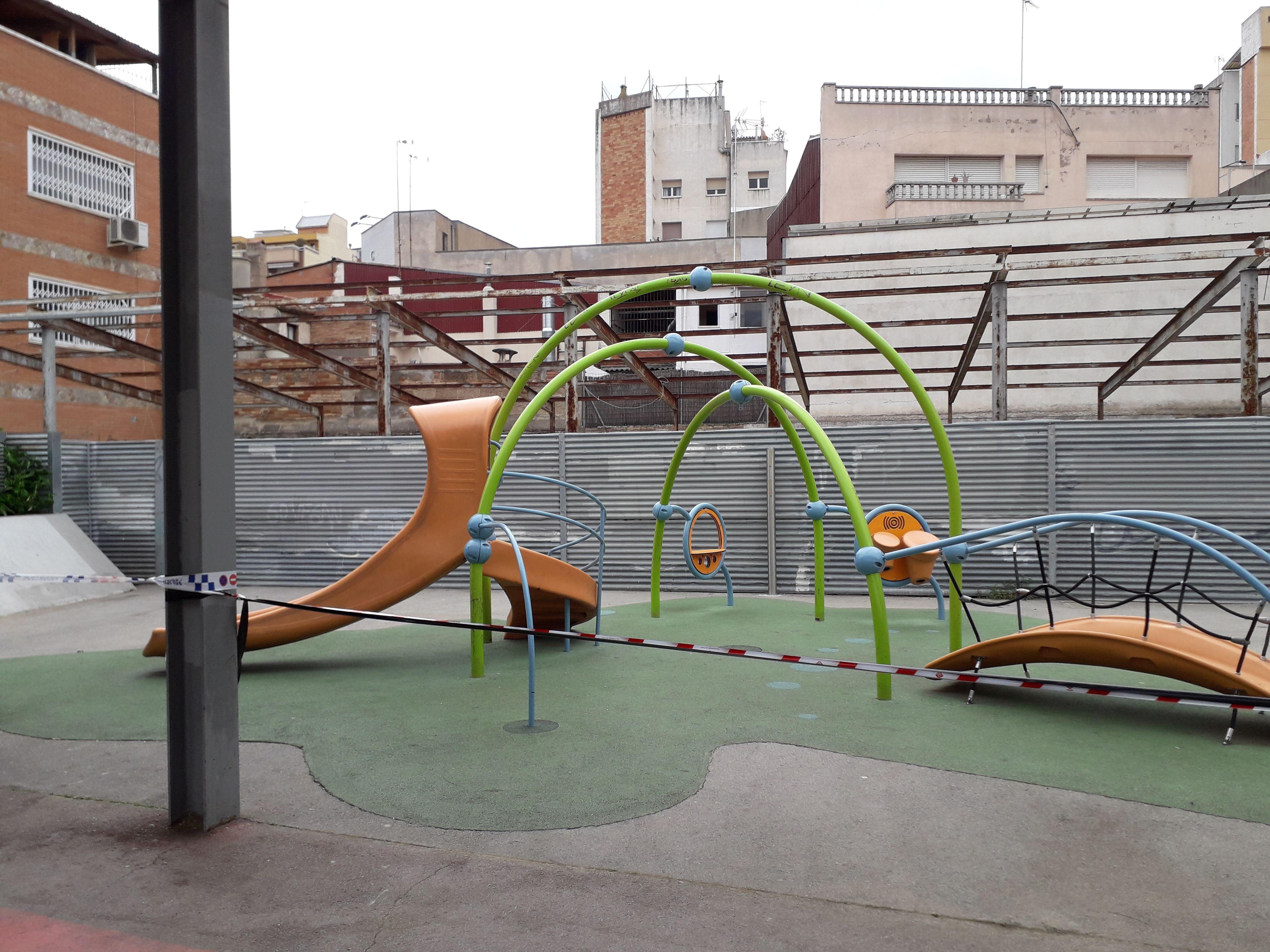 Parcs precintats en el primer confinament. FOTO: NHS