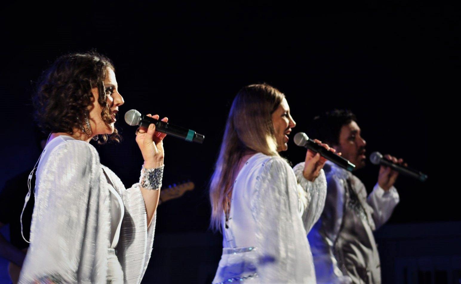 Actuació musical de The ABBA Experience. FOTO: Andrea Martínez