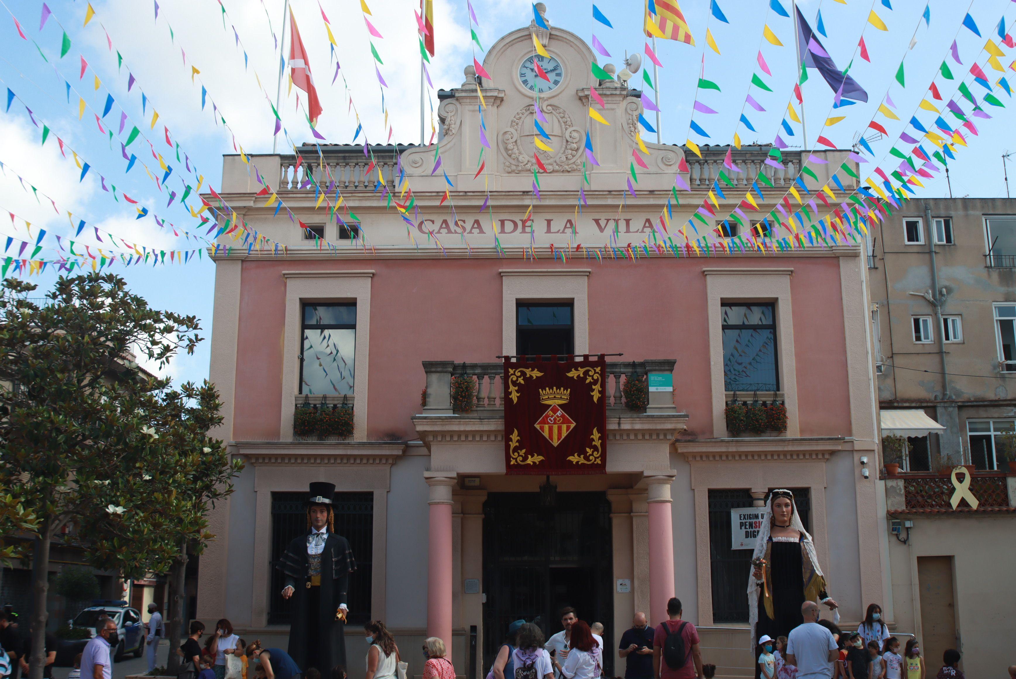 Despertada i plantada de gegants per Festa Major. FOTO: Josep Llamas