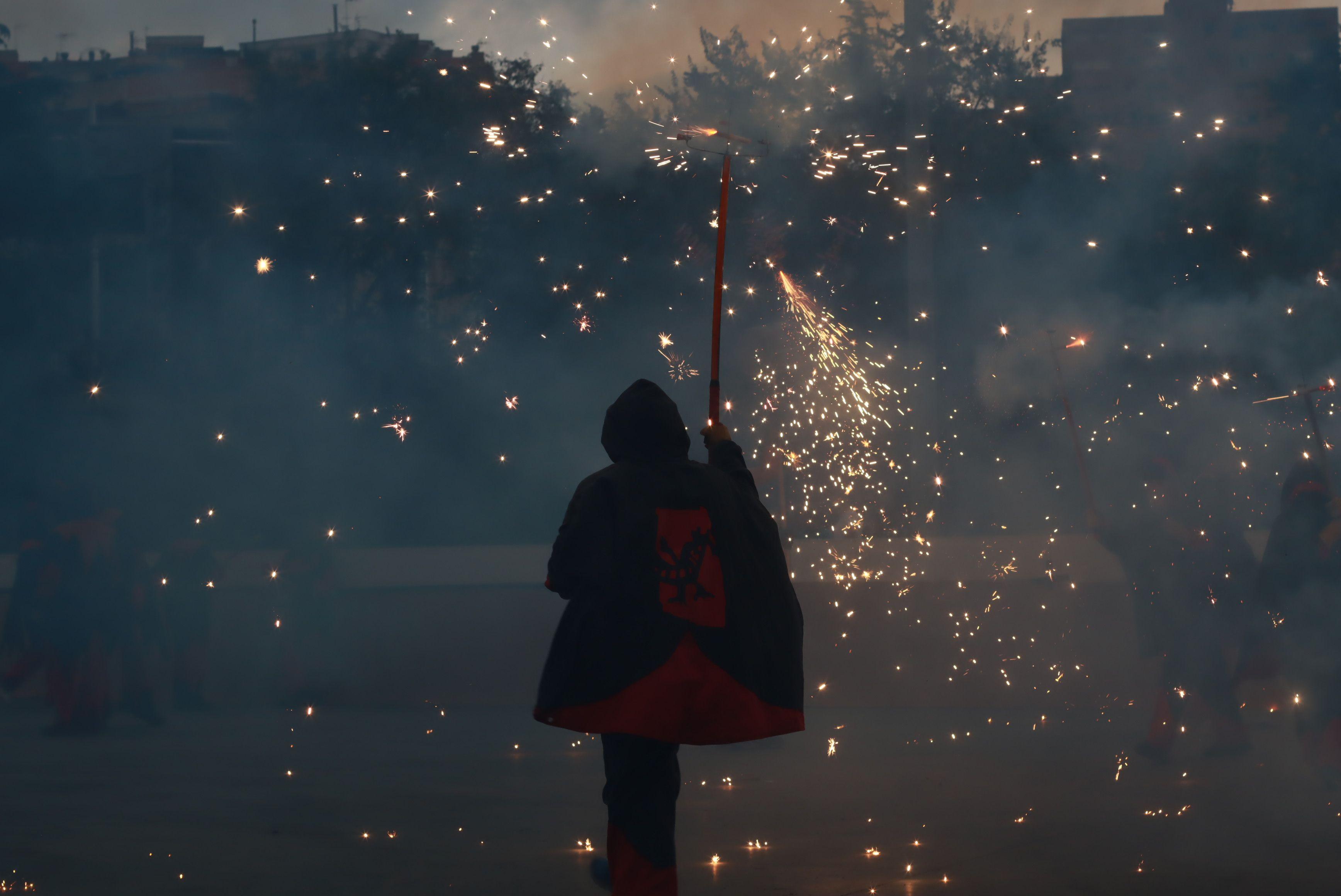 Moment del raval infantil amb la Colla de Diables de la Riera, la Colla de Diables Rubeo Diablorum i la Colla de Diables de Rubí. FOTO: Josep Llamas