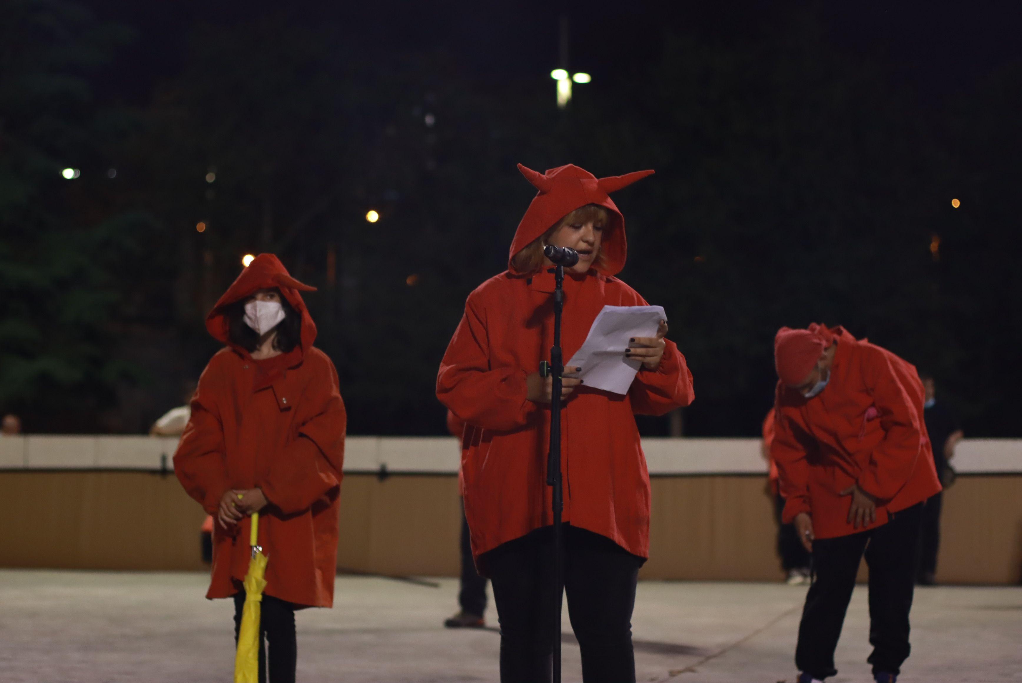 Versots amb la Colla de Diables de la Riera, la Colla de Diables Rubeo Diablorum i la Colla de Diables de Rubí. FOTO: Josep Llamas